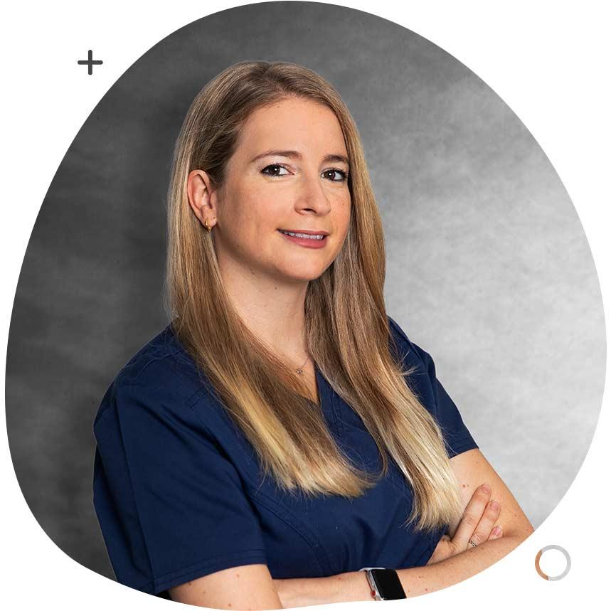 https://www.clinicasolucionsalud.es/wp-content/uploads/2021/10/SilviaMoreno_.jpg