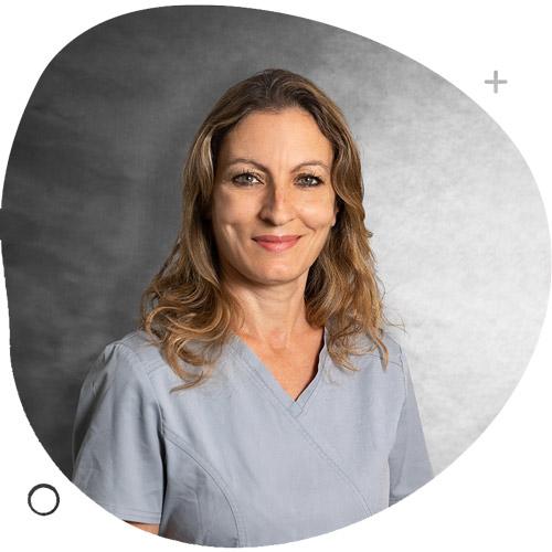 https://www.clinicasolucionsalud.es/wp-content/uploads/2021/10/asistente1.jpg